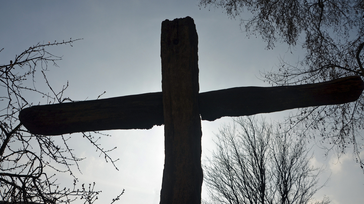 crooked cross